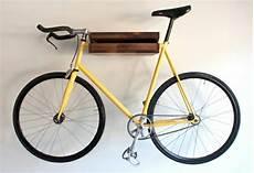 fahrrad an der wand aufhängen das fahrrad zu hause richtig aufbewahren