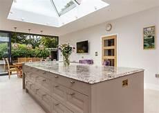 plan de travail cuisine plan de travail granit pour votre cuisine et salle de bain