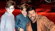 ricky martin kinder ricky martin defends taking with him on the road i