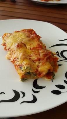 cannelloni ricotta spinat cannelloni mit ricotta spinat f 252 llung rezept mit bild