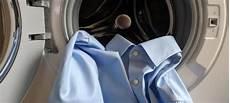 Dunkle Flecken Nach Dem Waschen In Der Waschmaschine - hemden richtig waschen tipps 8 schritte die sie