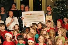 skandinavische schule berlin nikolaus spendet 1 500 an die freie montessori schule