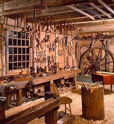 Altes Holz Bearbeiten - a day s work dovetails and the dominy workshop material
