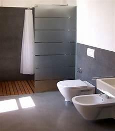 resina piastrelle bagno rivestimento in resina di un bagno pavimenti in resina