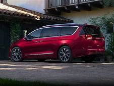 New 2019 Chrysler Pacifica  Price Photos Reviews