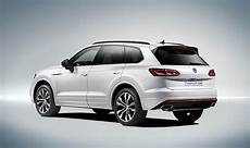 volkswagen touareg 2018 vw touareg 2018 volkswagen reveal specs and pictures for new suv express co uk