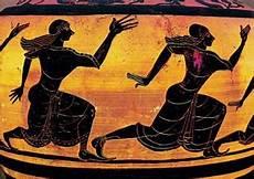 antichi vasi funebri atalanta pi 232 veloce i giochi agonistici e le sacerdotesse