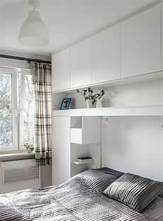 Betten Für Kleine Schlafzimmer - grifflose matt wei 223 lackierte h 228 ngeschr 228 nke 252 ber bett in