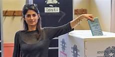 Elections En Italie Raggi Cinq Etoiles En T 234 Te Pour Le