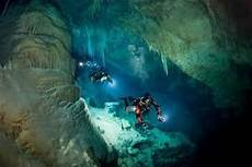 death in the devil the dangers of cave diving robert osborne