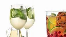 holunderblütensirup rezept landlust cocktail rezepte maibowle mal anders auf den mai fem