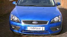 how to open the bonnet on a ford focus