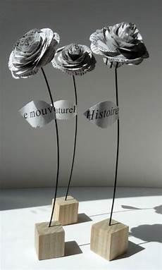 compostion de roses en papier journal mariage