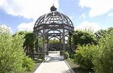 file hamilton gardens italian renaissance garden in summer jpg wikimedia commons