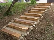 marche en exterieur hervier paysages terrasse en bois et escalier en traverse