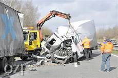 a31 unfall heute vollsperrung nach unfall auf der a31 ostfriesen zeitung