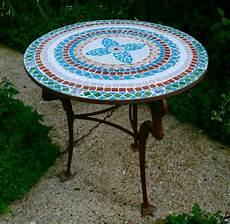 Gartentisch Aus Mosaik 30 Super Modelle Archzine Net