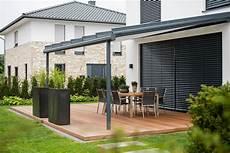 entspannung und natur mit einer terrasse aus holz galanet