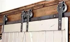 rail porte garage suspendue rail pour porte coulissante exterieure maison et chaise