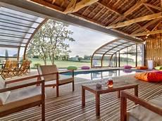 garage de la piscine 1 abri de piscine en bois ferme 1 hangar pour une piscine