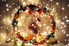 merry christmas wreath wallpaper christmas wreaths wallpapers wallpaper cave