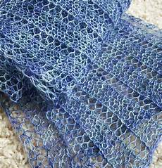 Einfaches Lochmuster Stricken - free knitting pattern for one row repeat marmalade scarf