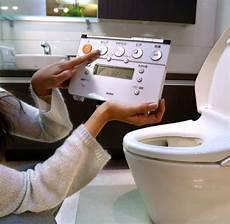 toilette ohne wasser innovation toilette ohne wasser und chemie erfunden welt