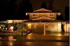 Haus Mit Weihnachtsbeleuchtung - haus mit weihnachtsleuchten stockfoto bild zwei