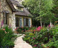 Cottages Gardens