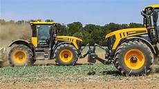 Jcb Fastrac 4220 Un Tracteur Routier Ou Agricole