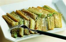 cardi in cucina ricetta cardi gratinati al parmigiano le ricette de la
