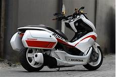 Modifikasi Honda Pcx 150 Touring by Modifikasi Honda Pcx 150 Desain Touring Mechatronik