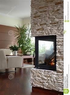 Kamin Im Modernen Wohnzimmer Stockfoto Bild Innen