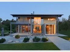 haus mit balkon designhaus alpenchic modernes stadthaus baufritz hausxxl designer landhaus mit