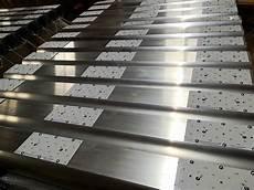 produzione illuminazione plafoniere a led industriali per illuminazione capannoni