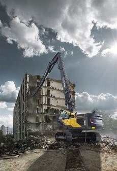 volvo ec380ehr and ec480ehr reach new heights of