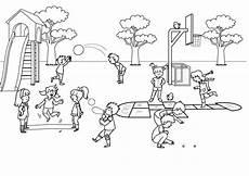 Schule Und Familie Ausmalbild Drucken Ausmalbild Schule Kinder Im Schulhof Ausmalen Kostenlos