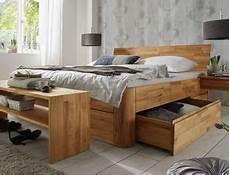 massivholzbett mit stauraum massivholzbetten betten aus massivholz g 252 nstig kaufen