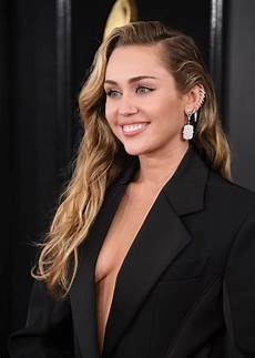Miley Cyrus Miley Cyrus Braless The Fappening Leaked Photos 2015 2019