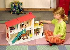 puppenhaus zum selber bauen puppenhaus aus holz zum selber bauen diy dollhouse