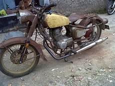 Modifikasi Motor Tua by Foto Bengkel Modifikasi Motor Antik Modifikasi Motor