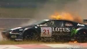 IMCDborg 1996 Lotus Esprit GT1 Type 114 In Smash Lab