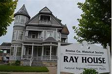 Apartments Vinton Iowa by Saving A Mansion From Fading Into History