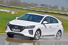 In Hybrid - new hyundai ioniq in hybrid 2017 review auto express