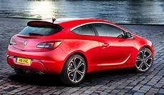 Opel Astra Rot - opel astra gtc wins dot design award autoevolution