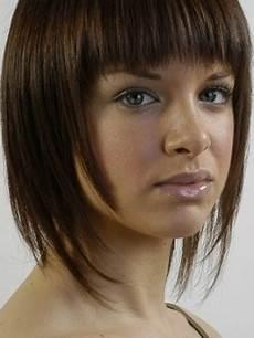cheveux avec frange coupe de cheveux avec frange pour femme 50 ans ivory