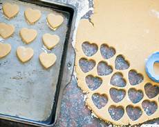 how to choose the best cookie sheet c h sugar