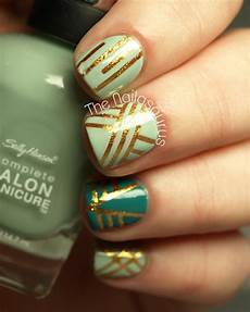 15 nail tape manicures you put it on