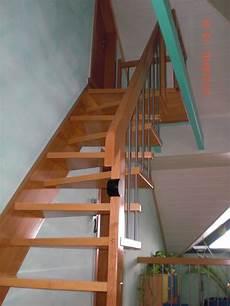 treppe mit geländer sambatreppe buche ged 228 mpft gel 228 nder mit