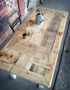 tisch im landhaus stil aus bauholz susanne l